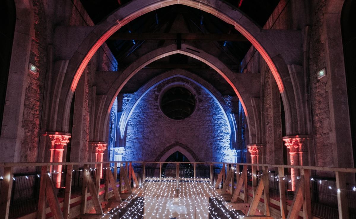 Mariage Chapelle de La Grande Fabrique - Mise en lumière des voutes